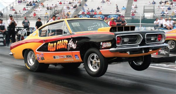 This Hemi-powered 1968 Barracuda runs in the ultra-competitive Super Stock Automatic class. It's launching perfectly, with the front end nice and level. This shows all the power hitting the rear tires, and none being used to twist the chassis.