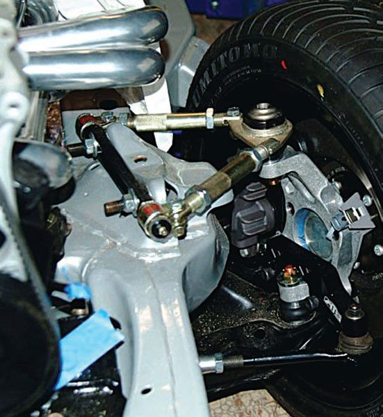 The StreetComp-AFX package came a few years later, based on the excellent AFX tall aluminum spindles. It required some re-engineering, but the spindle's modular format made it possible to build a G-body-specific package that was much less expensive than the G-5 package. (Photo Courtesy John Follweiler)