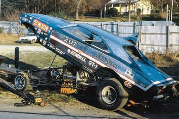 Only a few years after the creation of the class, A/FX cars had turned into what we now call funny cars, with custom tube frames, one-piece bodies, and Top Fuel–style engines. They were still fun to watch, and drew crowds to drag strips in every corner of the country on a weekly basis. (Photo Courtesy Bob Snyder)