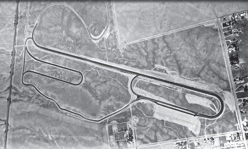 Riverside International Raceway was the ultimate multi-tasking race facility, with possibilities for road course racing, oval racing, and drag racing, all crammed into one beautiful track. According to the Riverside International Automotive Museum, the drag strip was being worked into the existing track as early as June 1958. (Photo Courtesy Riverside International Automotive Museum and Petersen Automotive Museum)