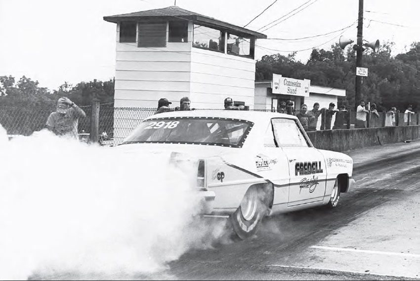 Hudson Drag Strip had concrete guard walls, but spectators on the pit side were allowed to get very close to the action. Hudson was home to a big heads-up drag racing scene, and gave traction to a lot of racers who wanted to go fast but didn't have a professional class in which to run. (Photo Courtesy Van Abernethy)