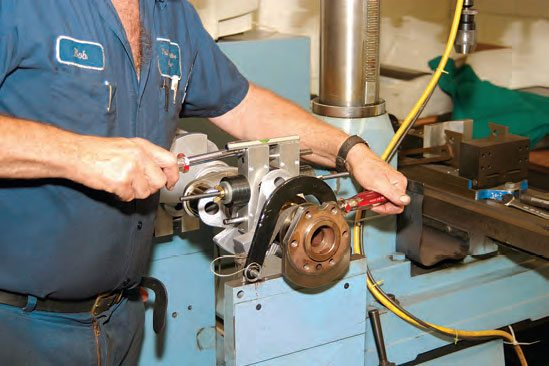 Each bobweight is placed with the weight side 90 degrees to each rod journal.