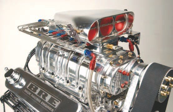 Fig. 3.19. This blown 540-ci big-block Chevy has all the eye candy a street rod would ever want. An 8-71 BDS Blower, BDS Bugcatcher Hat, and Nitrous Oxide Systems Blower Injector Plate round out the induction. A Big Stuff 3 system performs engine management. This blown big-block makes more than 950 hp on 91-octane fuel without the nitrous. Beck Racing Engines built and tuned this engine.