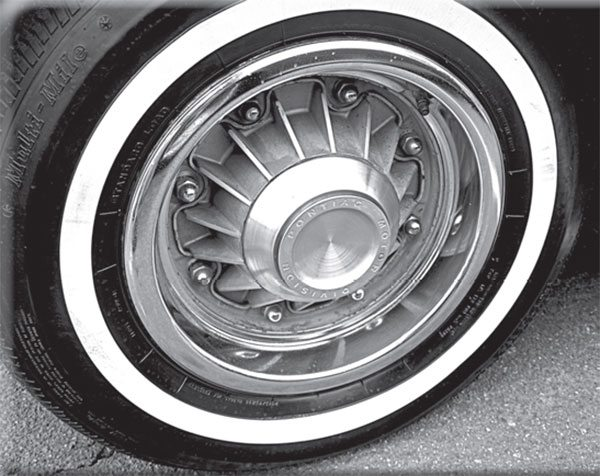 Pontiac magazine ads teased us; but was the beautiful eight-lug wheel ever offered on the GTO?