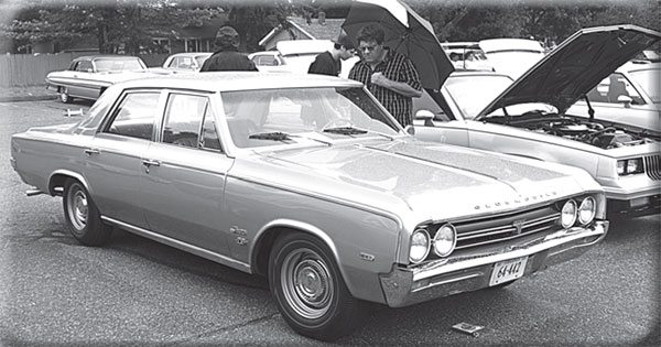 The Olds 4-4-2 faced an identity crisis in 1964 and, yes, some fourdoors were built. The tiny emblem ahead of the front tire was the only tip-off