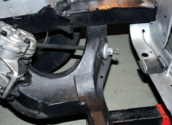 This is what the back end of the strut rod looks like. The strut rods are firmly mounted into the chassis.