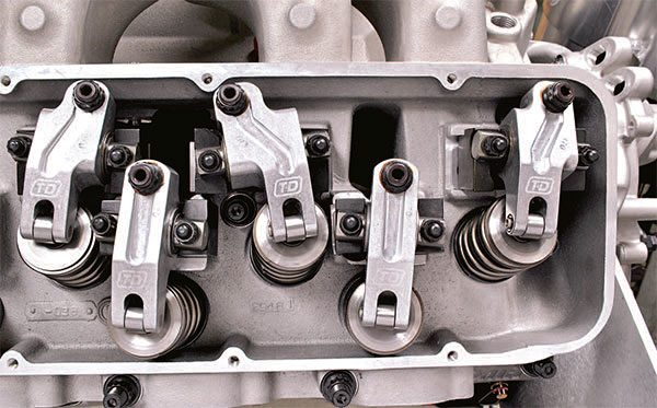 Valvetrain accuracy and stability are essential to take full advantage of well matched high-flowing cylinder heads. Valve gear like T&D Machine Products' shaft rockers stabi¬lize the valvetrain and ensure the accuracy of valve timing in every cylinder. These rockers are the first line of defense against high-RPM engine damage.