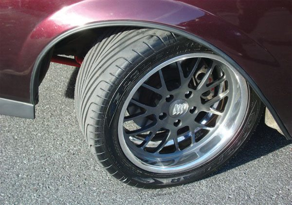 Here's a serious wheel-and-tire combo. This builder is wringing every last bit of performance out of the car. The tires are much safer at high speeds and it's going to have better overall drivability. (Photo Courtesy J. Follweiler)