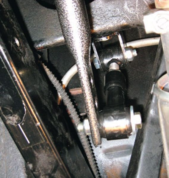Another view of the Hellwig A-body rear bar. The end link is set at its softest setting. The double-shear frame mounts attach to the front of the crossmember, which allows for an extra-long link that reduces angularity change at the different settings. Note how there's plenty of exhaust clearance, even with large-case 3-inch in/out mufflers.