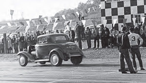 "If you're familiar with the ""big"" Green Valley Raceway Drag Strip in Texas, then you might notice a theme with the checkered timing tower. Although the Glencoe, Alabama– based Green Valley had no affiliation with the other one, it served as a great destination for big-time races in the area. (Photo Courtesy Larry Rose Collection)"