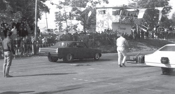 """Like many other tracks, Pocono Drag Lodge had its share of high-stakes match races and Funny Car events. Here, """"Jungle"""" Jim Liberman debuts his newest funny car—it's so new that the body was still in primer. This photo also provides a good look at the tower. (Photo Courtesy Jack Thomas)"""