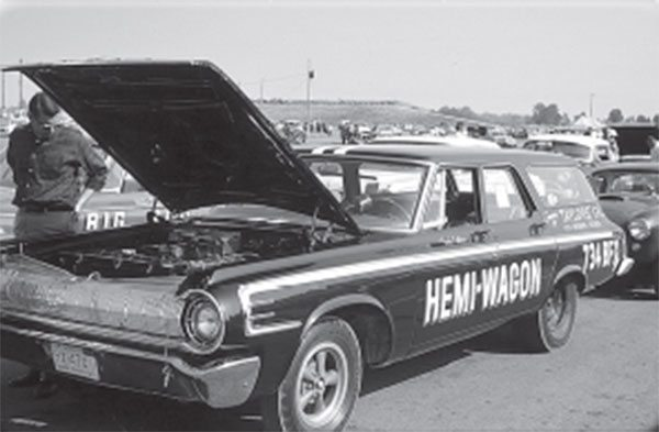 Was this 1964 Race Hemi station wagon an assembly-line item?