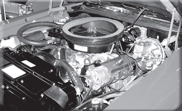 What does that power brake booster tell you about the transmission behind the W30 455 in this 1970 Olds 4-4-2?