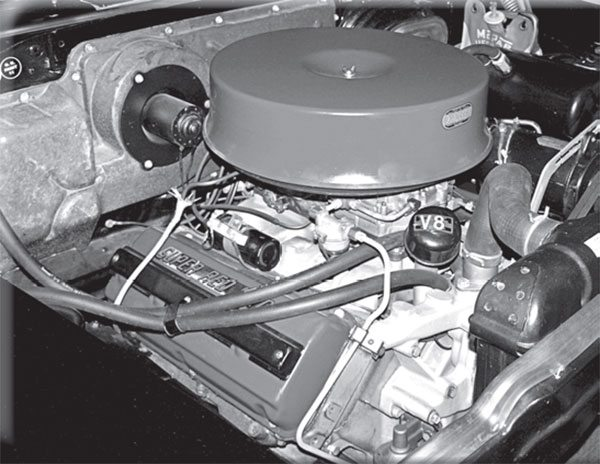 How many parts from the fi rst-generation Dodge Hemi interchange with its DeSoto and Chrysler hemi-head cousins?