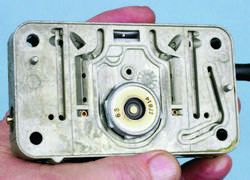 SA330_FULLBOOK_Holley Carbs Rebuild_Page_090_Image_0003